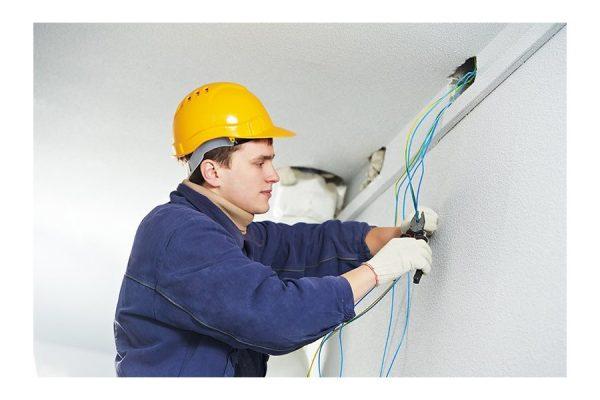 Electricista de edificios y prevención de riesgos en electricidad